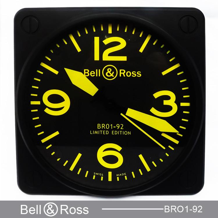 Bell & Ross BR01-92 horloge murale luminor jaune index Salle à manger